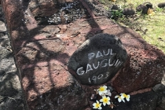 Gauguins-grave-IMG_3226