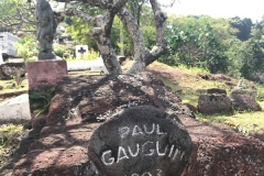 Gauguins-grave-IMG_3230